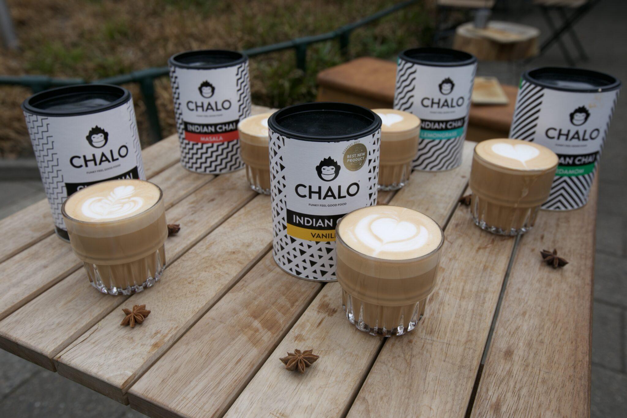 Chai latte assortment with latte art