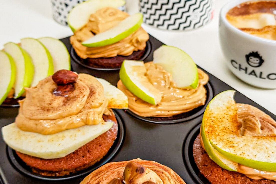 Chalo Chai Apple cupcake in tray